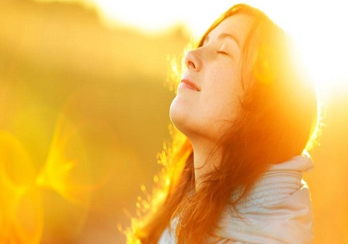 How spending time in sunlight benefits for health every day?