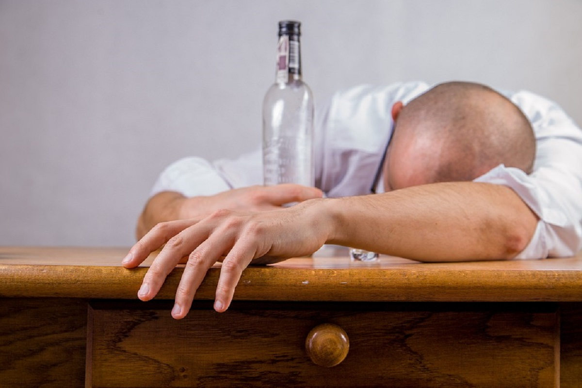 Alcoholism- It Don't Just Makes You Weird At Parties, It Kills You