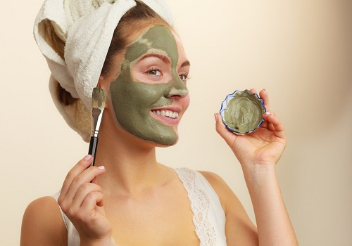 Get Back Your Glowing Skin With These Homemade Face Masks