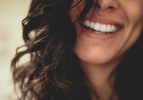 What are the ways to develop good dental habits?