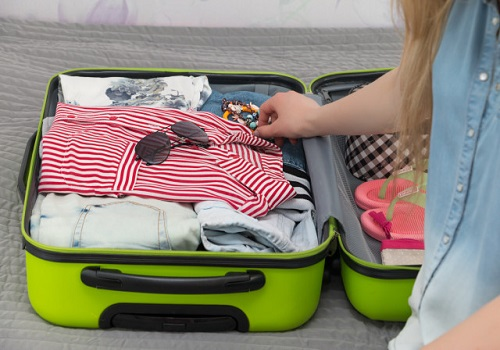 A packing guide for Pregnant Woman while traveling