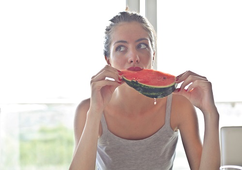 5 superfoods for women that make them stronger