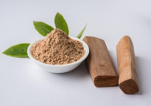 How Does Sandalwood Help in Getting Clearer Skin?